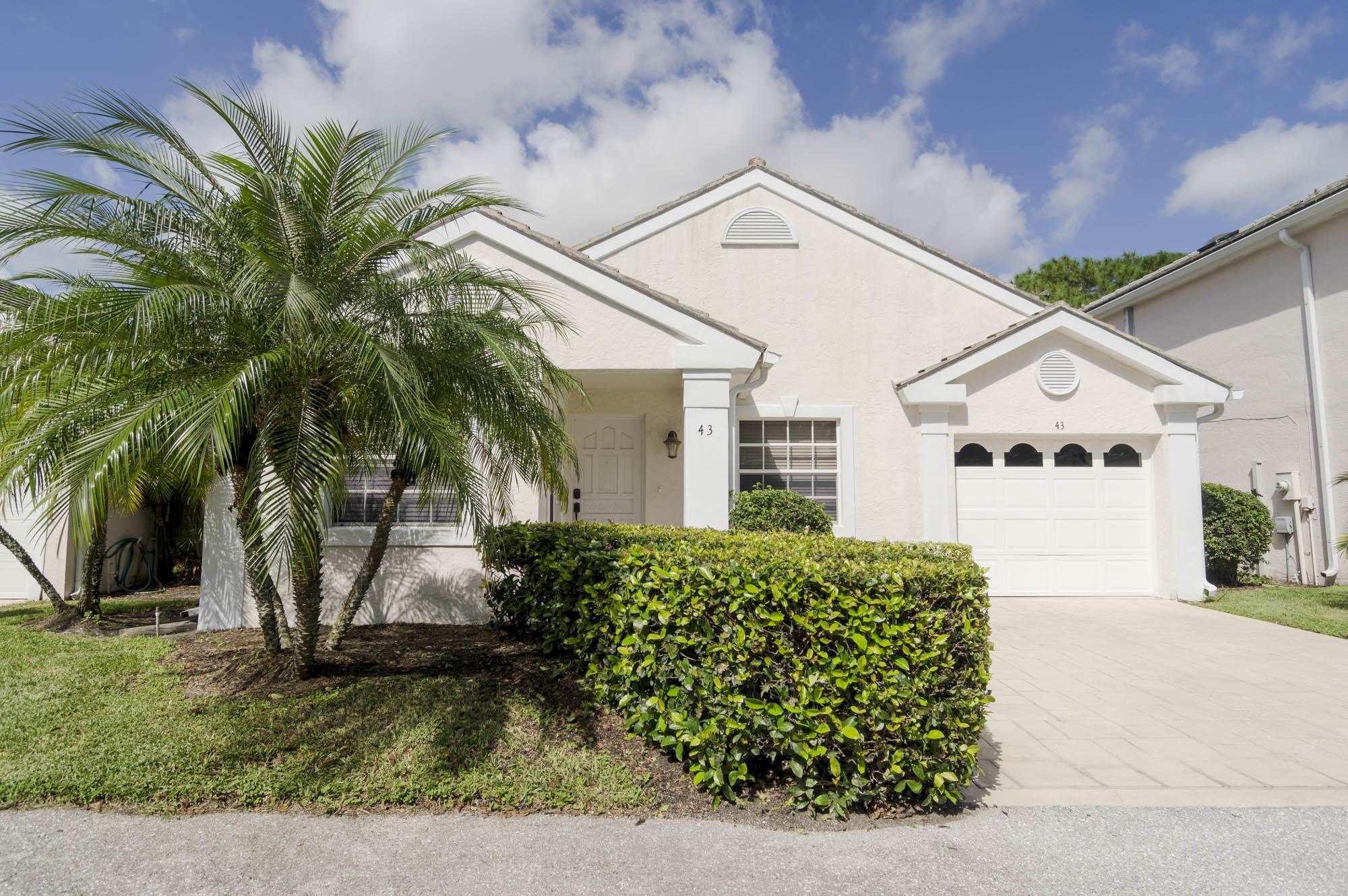 43 Admirals Court Palm Beach Gardens, FL 33418