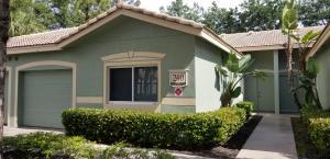 240  Crestwood Circle 102 For Sale 10666936, FL