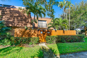 3019  30th Court  For Sale 10667116, FL