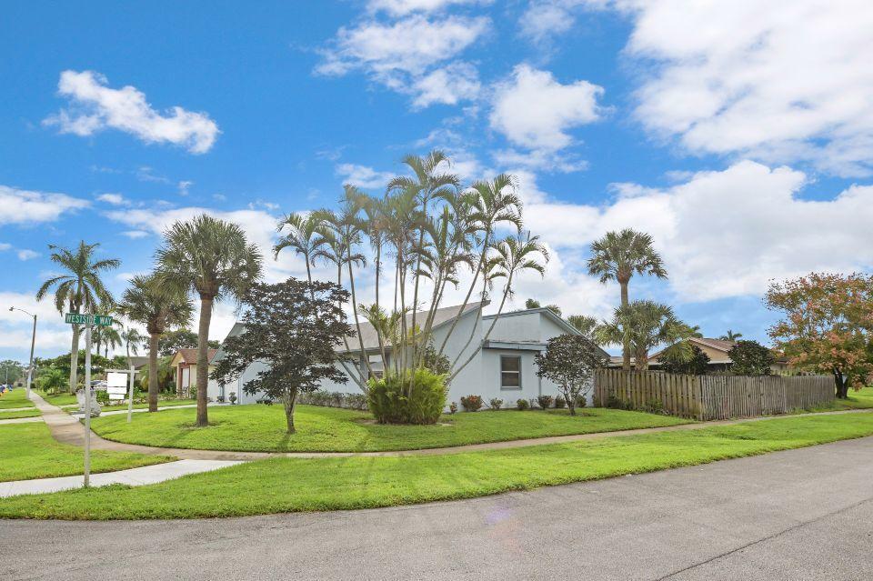 10432 Carmen Lane Royal Palm Beach, FL 33411 photo 34