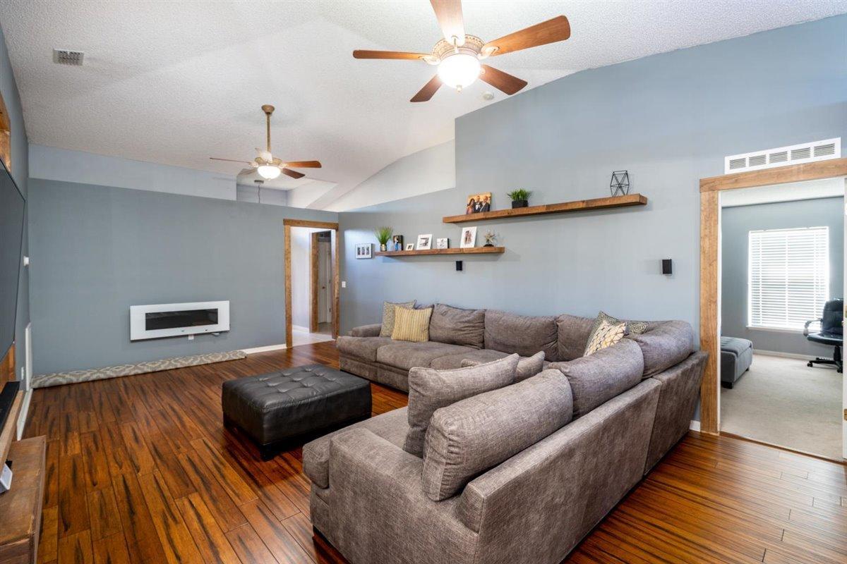 1217 25th Terrace SW - 32968 - FL - Vero Beach