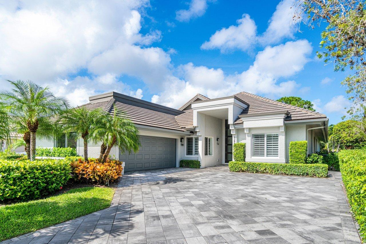 13869 Rivoli Drive, Palm Beach Gardens, Florida 33410, 3 Bedrooms Bedrooms, ,3.2 BathroomsBathrooms,A,Single family,Rivoli,RX-10667732