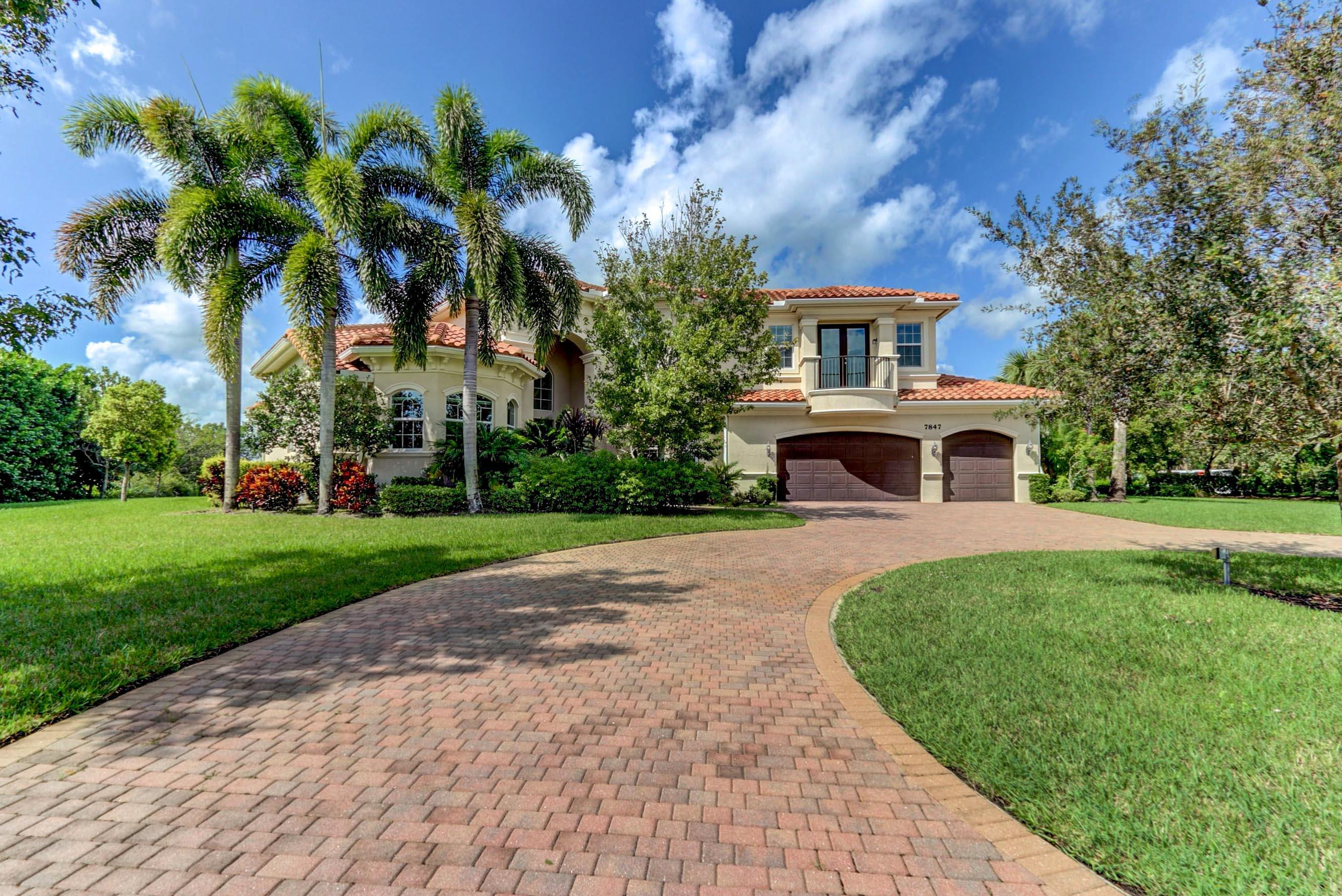 Home for sale in Bayhill Estates Palm Beach Gardens Florida