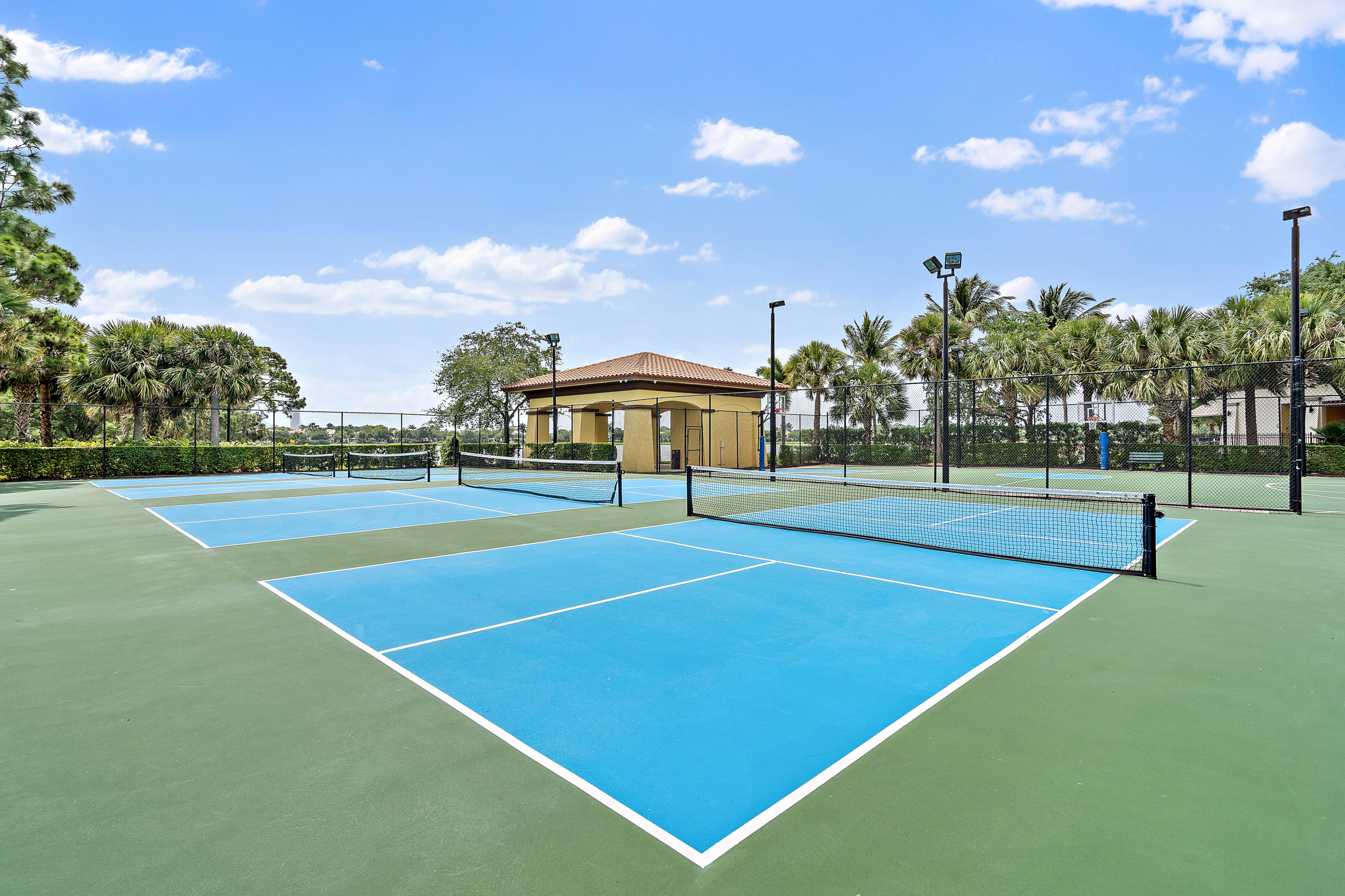 Community Clubhouse Pickleball Courts