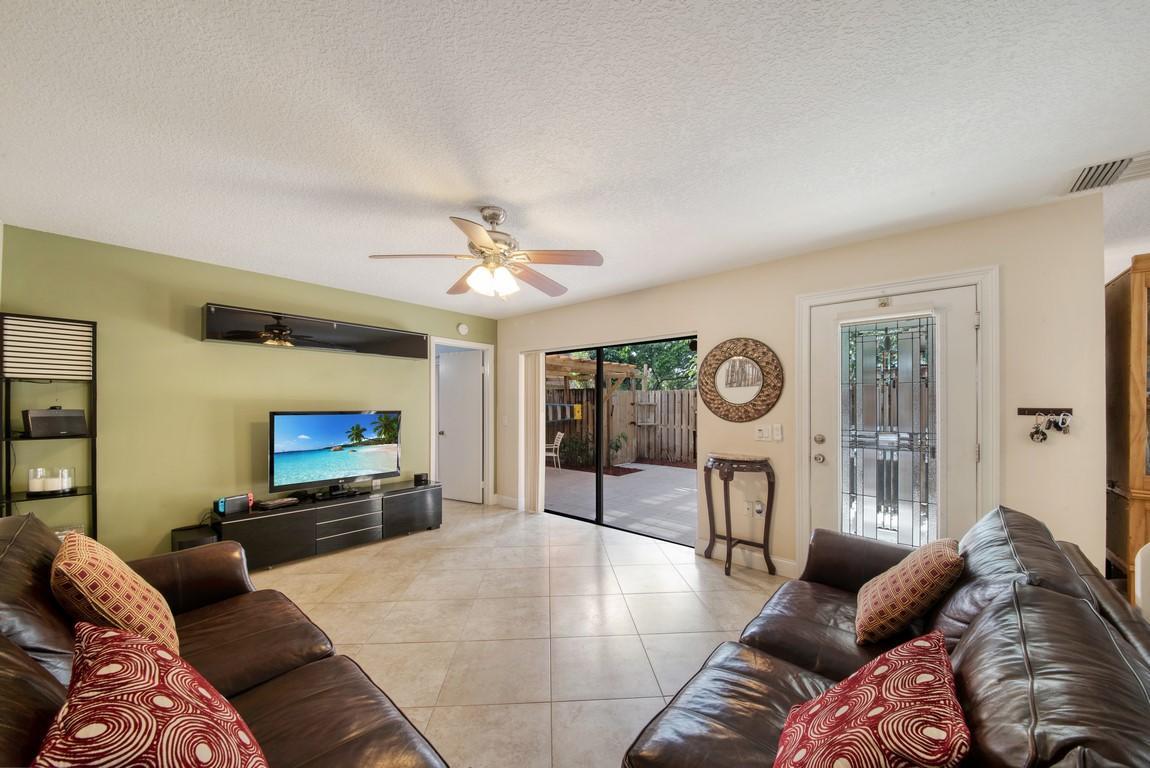 304 3rd Lane Greenacres, FL 33463 photo 6