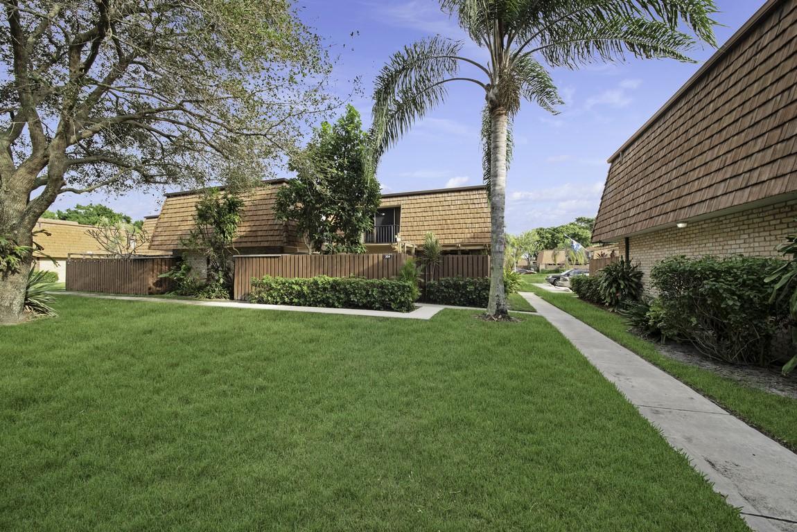 304 3rd Lane Greenacres, FL 33463 photo 1