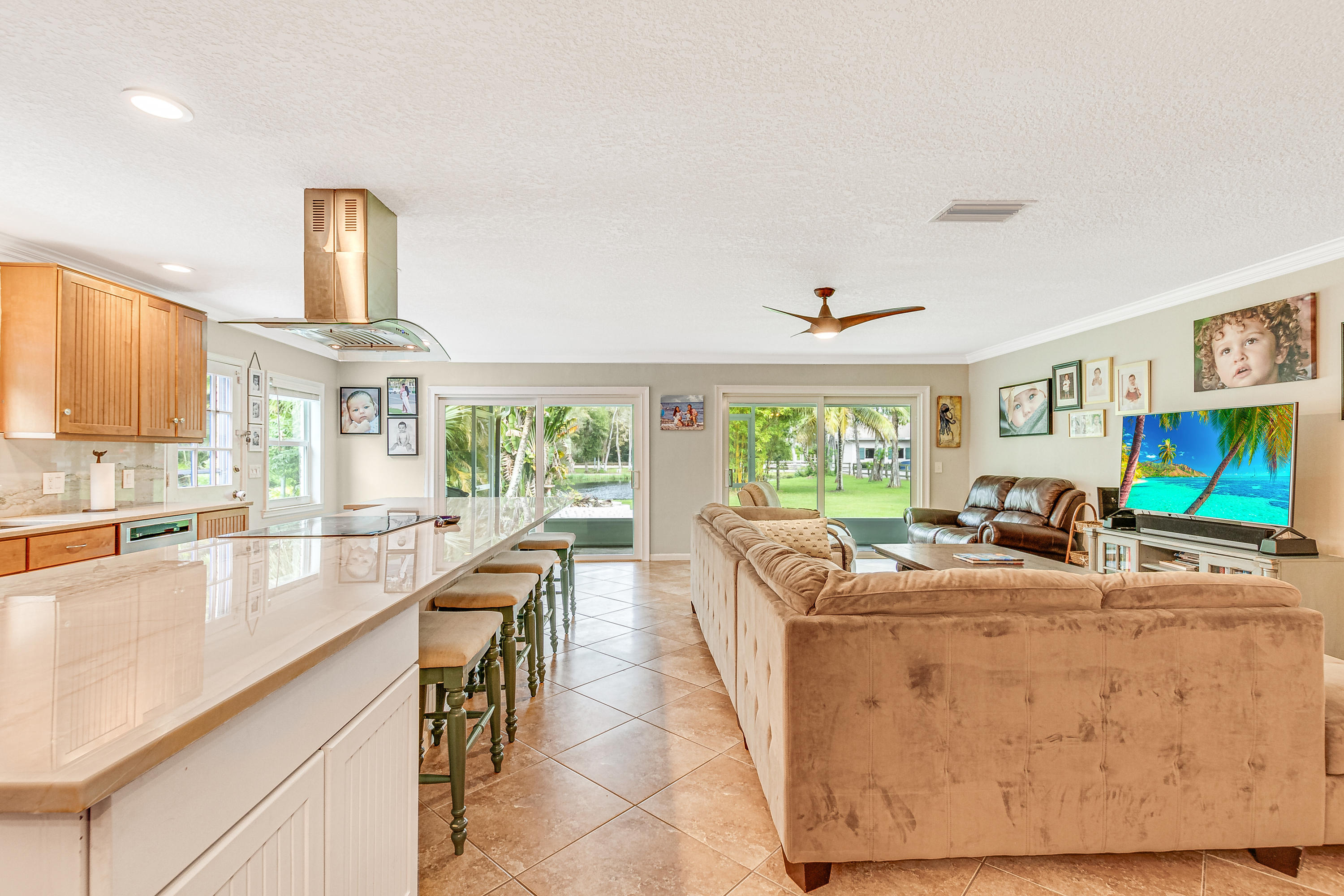 04_15161_collecting_canal_road_4_mls