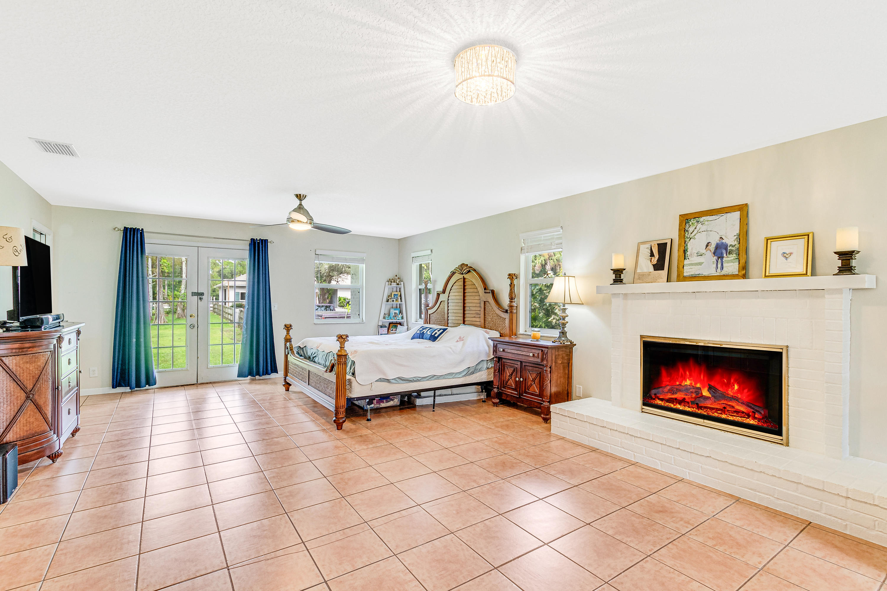 16_15161_collecting_canal_road_16_mls