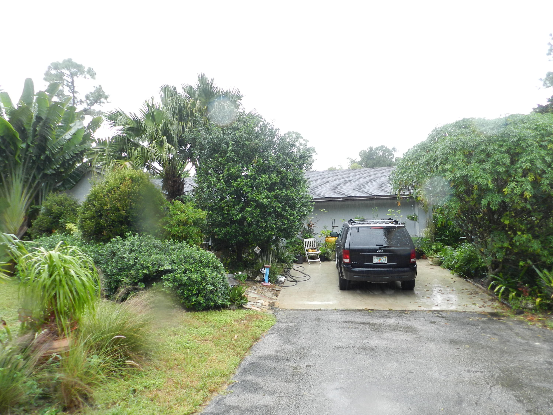18055 W Sycamore Drive Loxahatchee, FL 33470