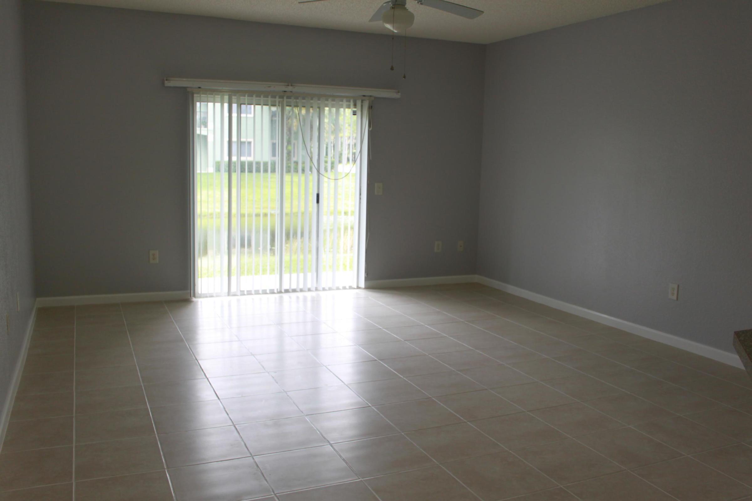 320 Crestwood Circle 103 Royal Palm Beach, FL 33411