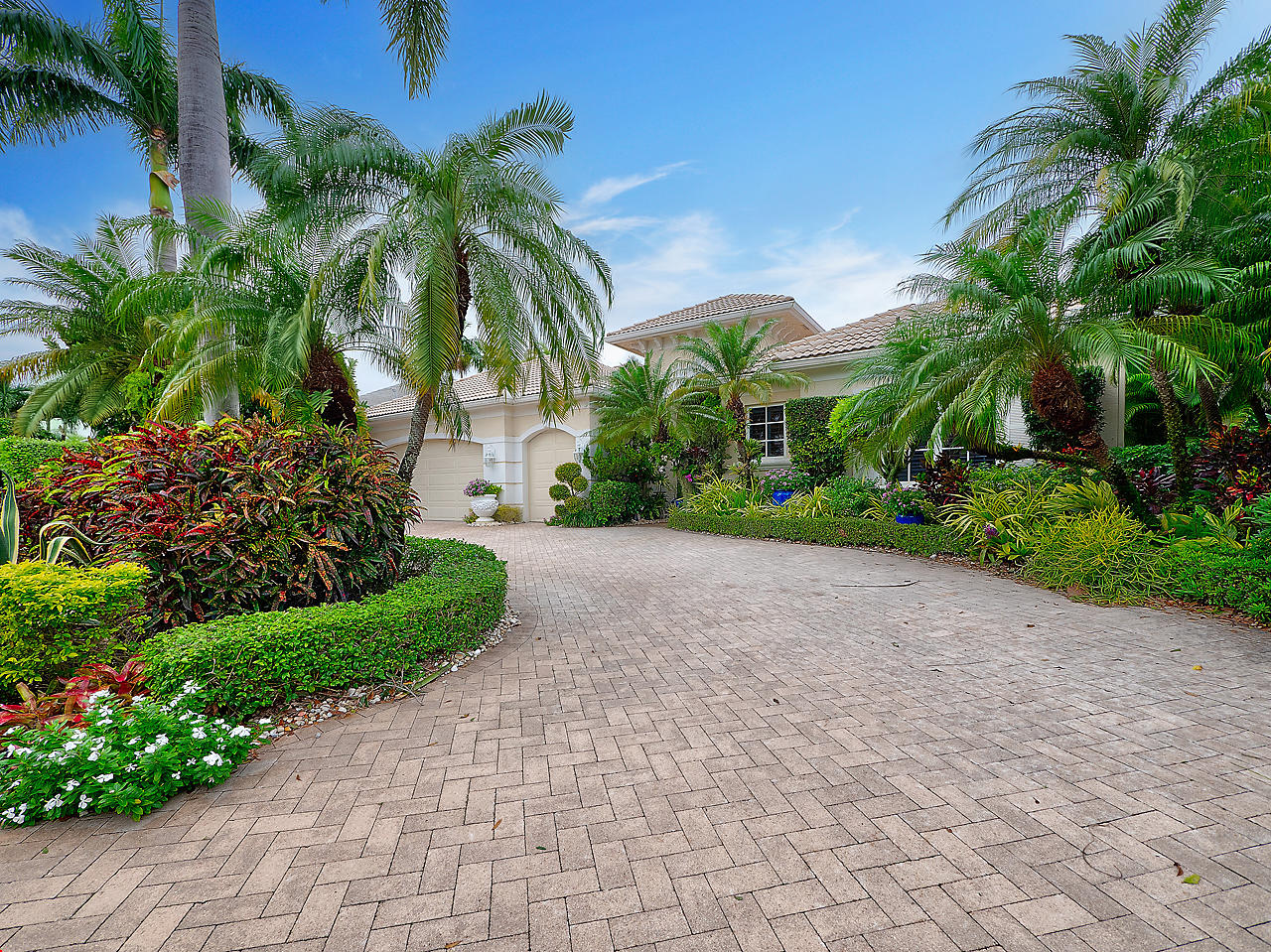 Home for sale in Sabal Pointe Palm Beach Gardens Florida
