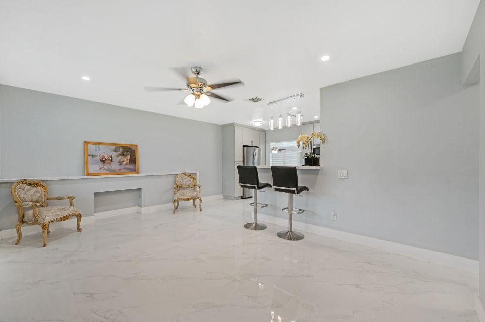 311 Forest Hill Boulevard West Palm Beach, FL 33405 photo 5