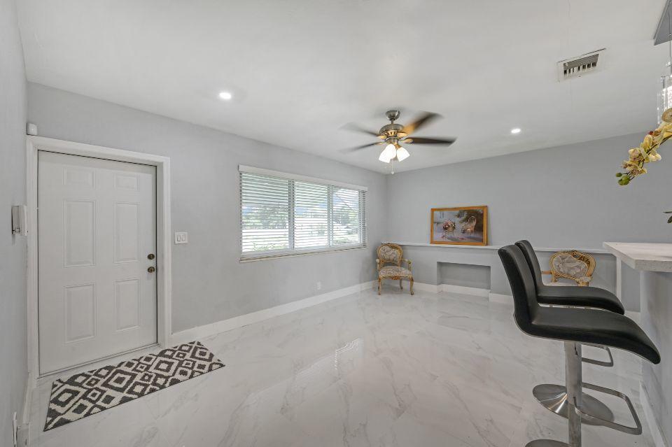 311 Forest Hill Boulevard West Palm Beach, FL 33405 photo 6