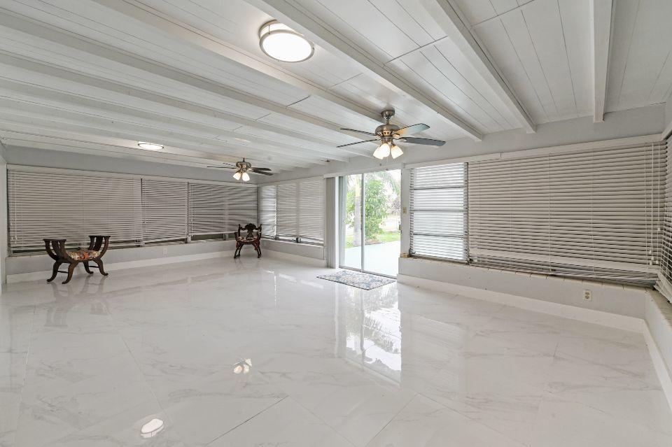 311 Forest Hill Boulevard West Palm Beach, FL 33405 photo 3