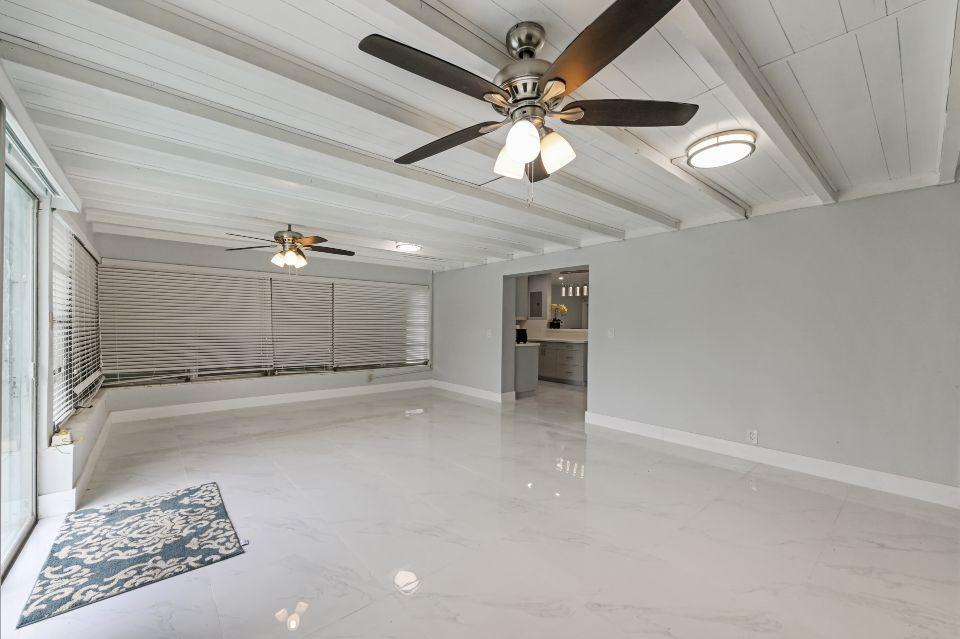 311 Forest Hill Boulevard West Palm Beach, FL 33405 photo 4
