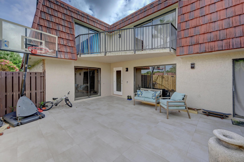 8293 Boca Rio Drive Boca Raton, FL 33433 photo 4