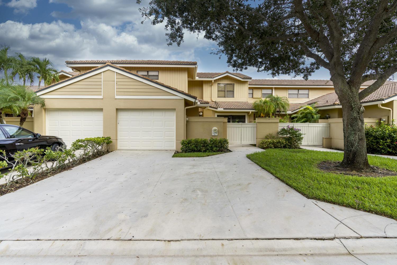 527 Prestwick Circle Circle, Palm Beach Gardens, Florida 33418, 3 Bedrooms Bedrooms, ,2 BathroomsBathrooms,Rental,For Rent,Prestwick Circle,RX-10671501