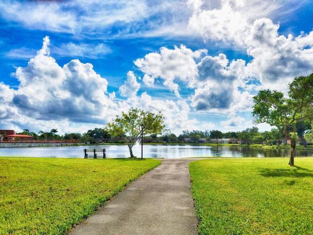 610 Laconia Circle Lake Worth, FL 33467 photo 28