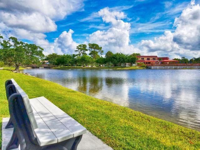 610 Laconia Circle Lake Worth, FL 33467 photo 30