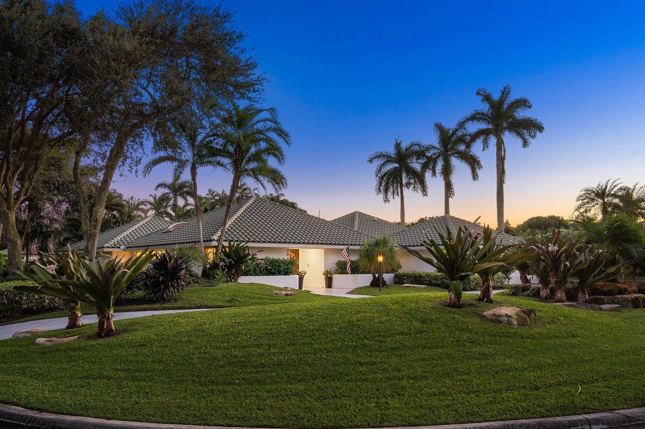 Home for sale in Pine Tree Boynton Beach Florida