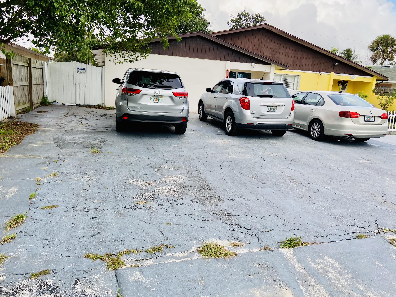 5803 Albert Rd Road West Palm Beach, FL 33415