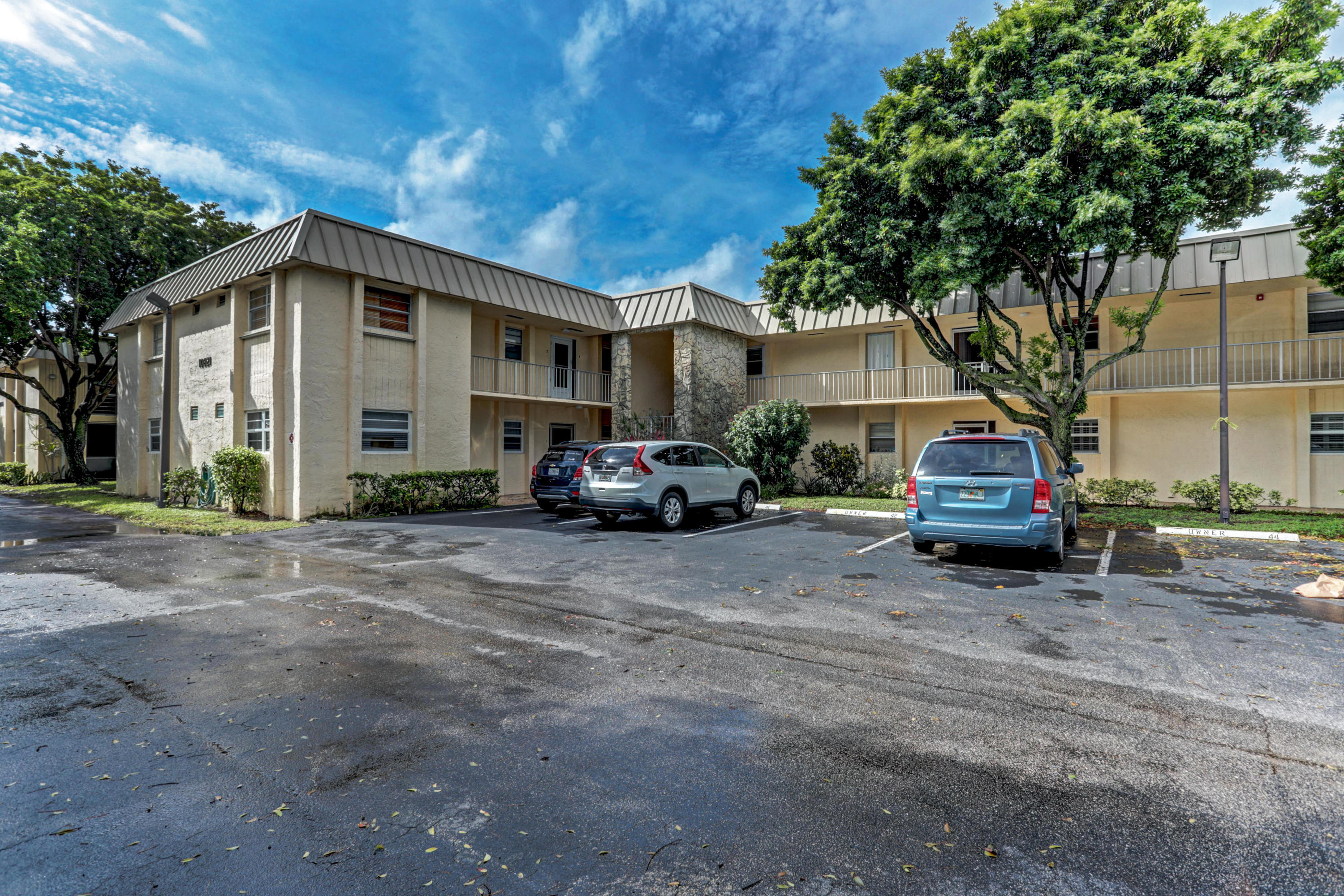 Home for sale in TRAILS END VILLAS INC CONDO LTS 5 TO 9 PT OF LTS 10 Palm Beach Gardens Florida