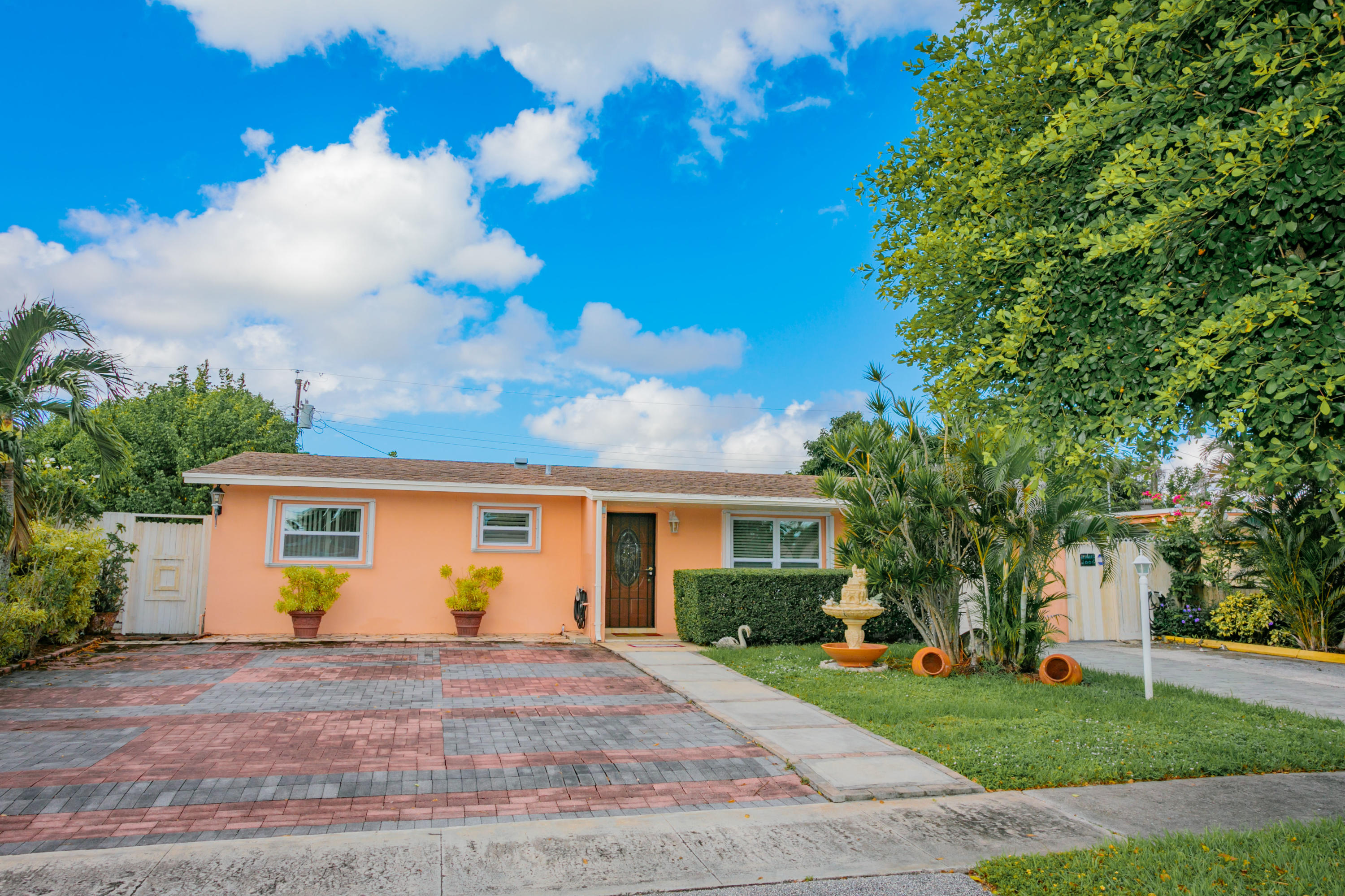 Home for sale in MEADOWBROOK West Palm Beach Florida