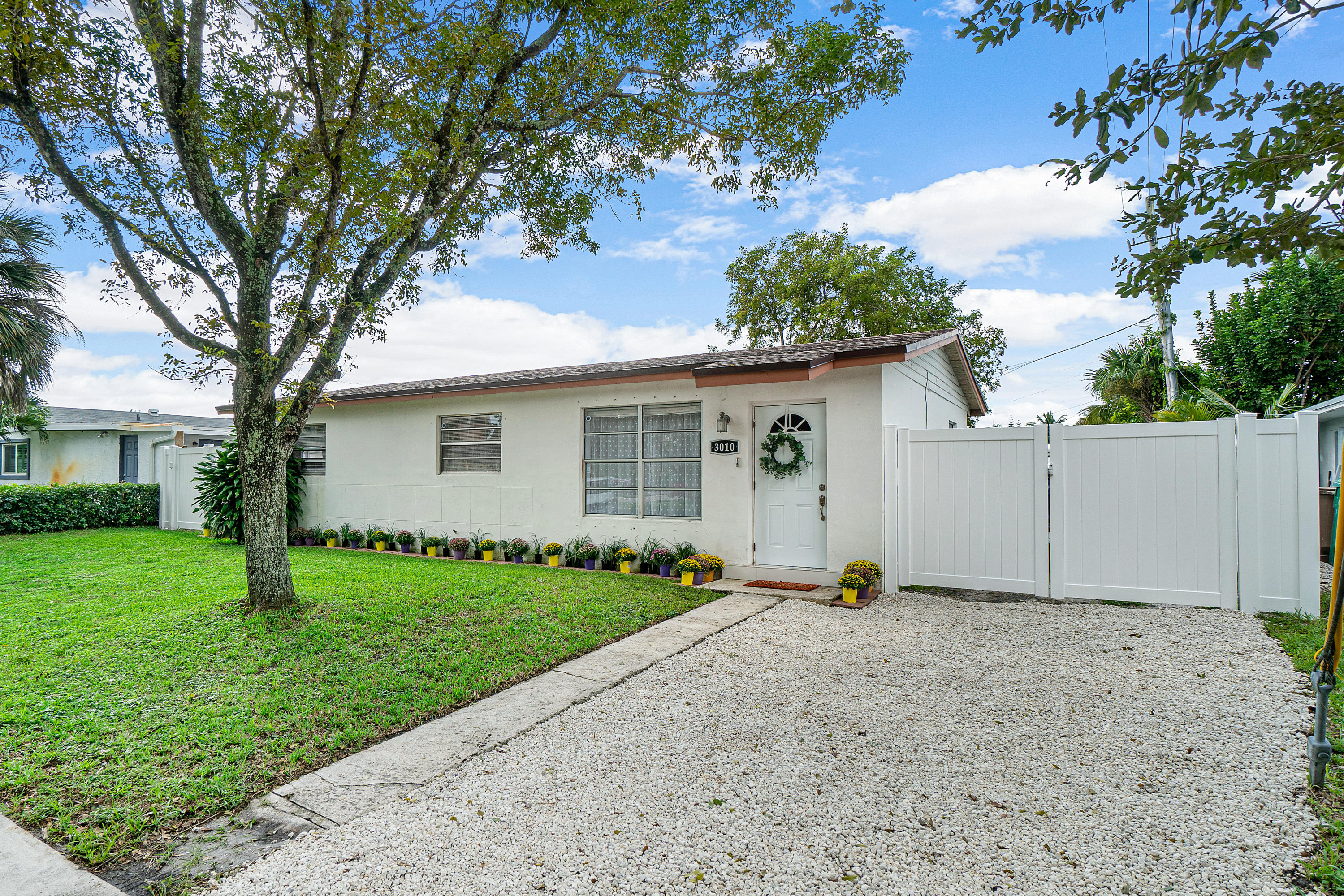 Home for sale in Driftwood Estates NO 20 Hollywood Florida
