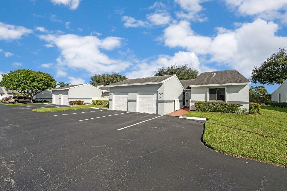 2640 W Gately Drive 806 West Palm Beach, FL 33415 photo 2