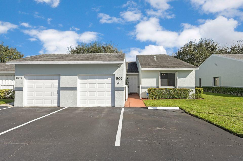2640 W Gately Drive 806 West Palm Beach, FL 33415 photo 1