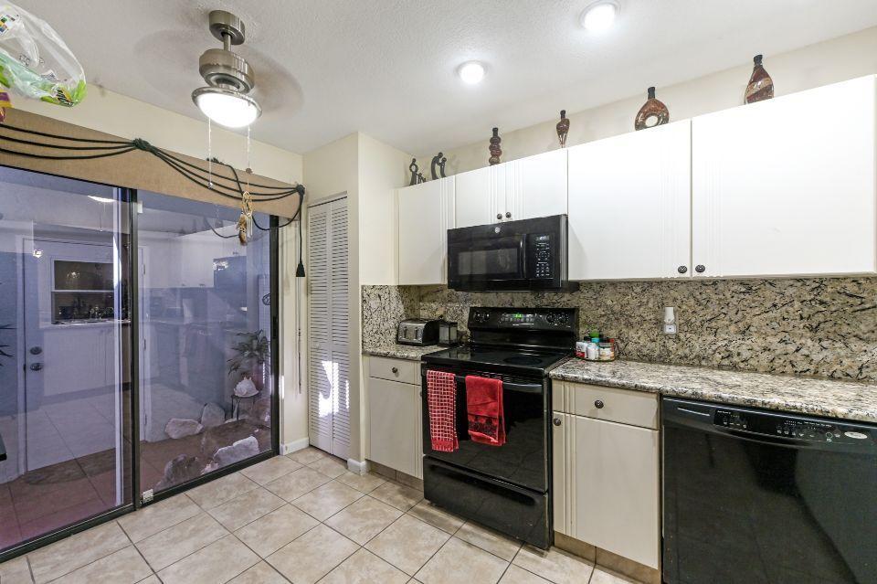 2640 W Gately Drive 806 West Palm Beach, FL 33415 photo 8