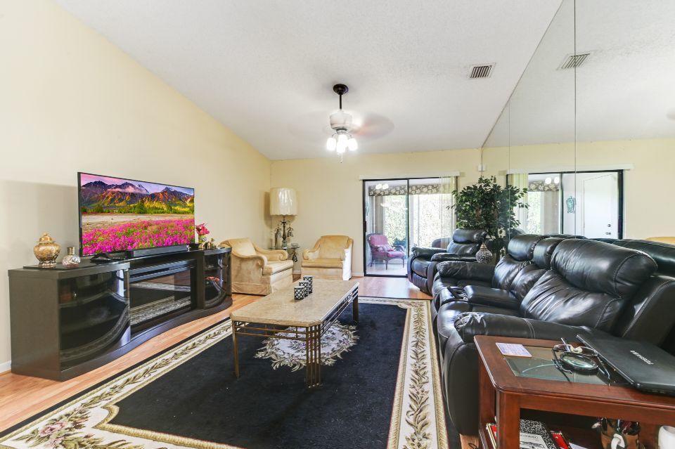 2640 W Gately Drive 806 West Palm Beach, FL 33415 photo 3