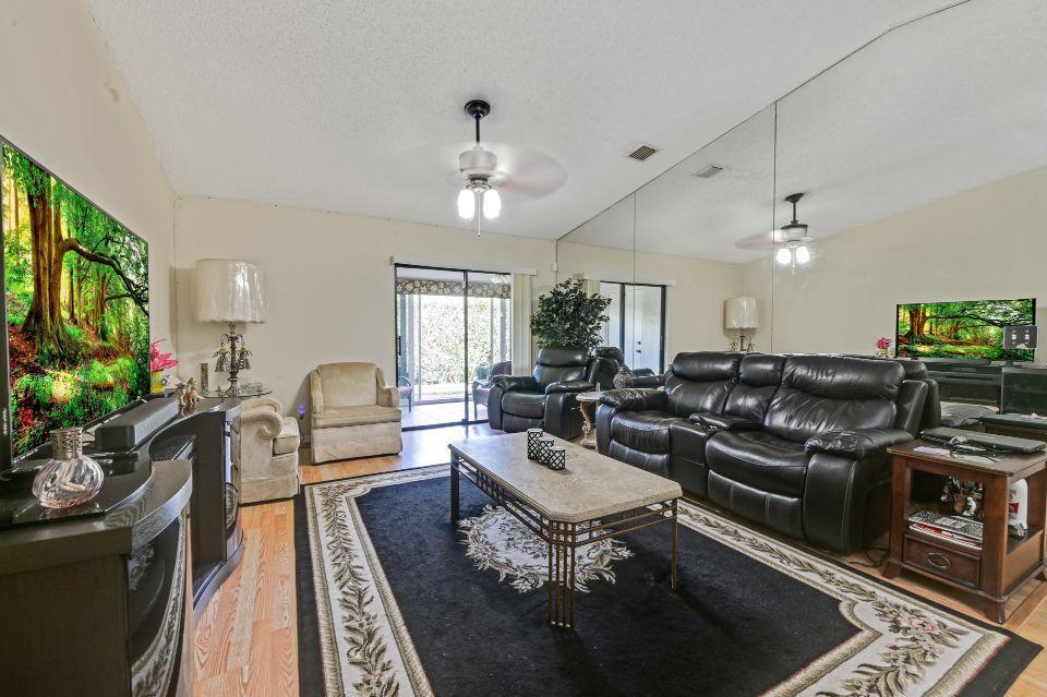 2640 W Gately Drive 806 West Palm Beach, FL 33415 photo 4