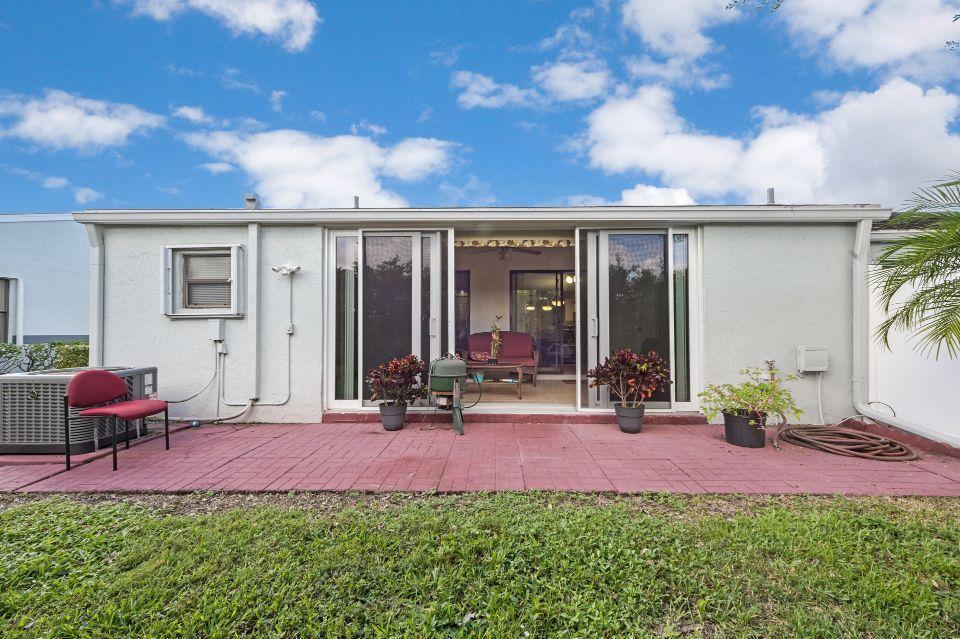 2640 W Gately Drive 806 West Palm Beach, FL 33415 photo 17