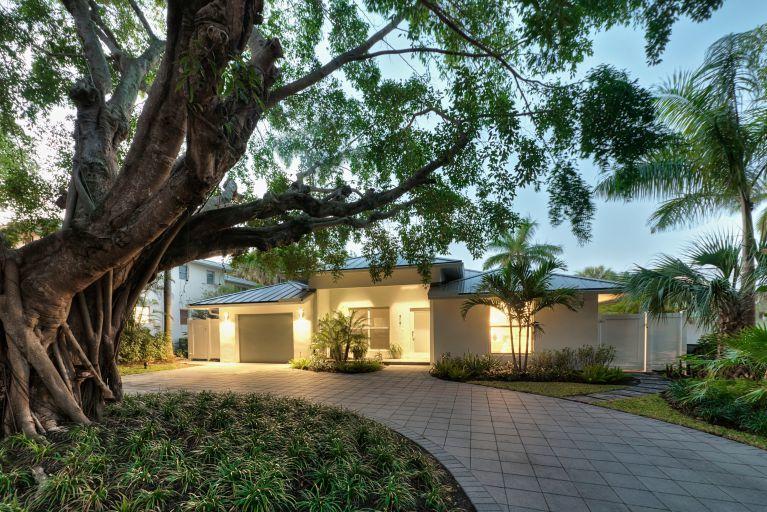 717 1st Court, Delray Beach, Florida 33483, 2 Bedrooms Bedrooms, ,2 BathroomsBathrooms,Rental,For Rent,1st,RX-10672841