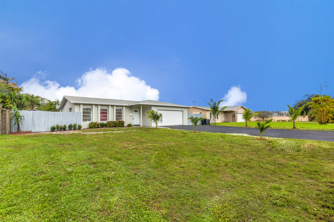 Home for sale in TWIN LAKES 29-23 B Fort Lauderdale Florida