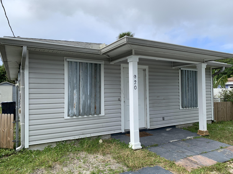 920 Nassau Stuart FL 34994
