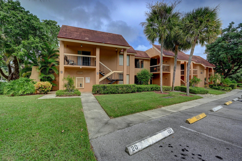 11280 Green Lake Drive 202 Boynton Beach, FL 33437 photo 4