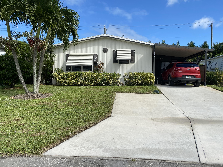 8101 SE Homestead Avenue  Hobe Sound FL 33455
