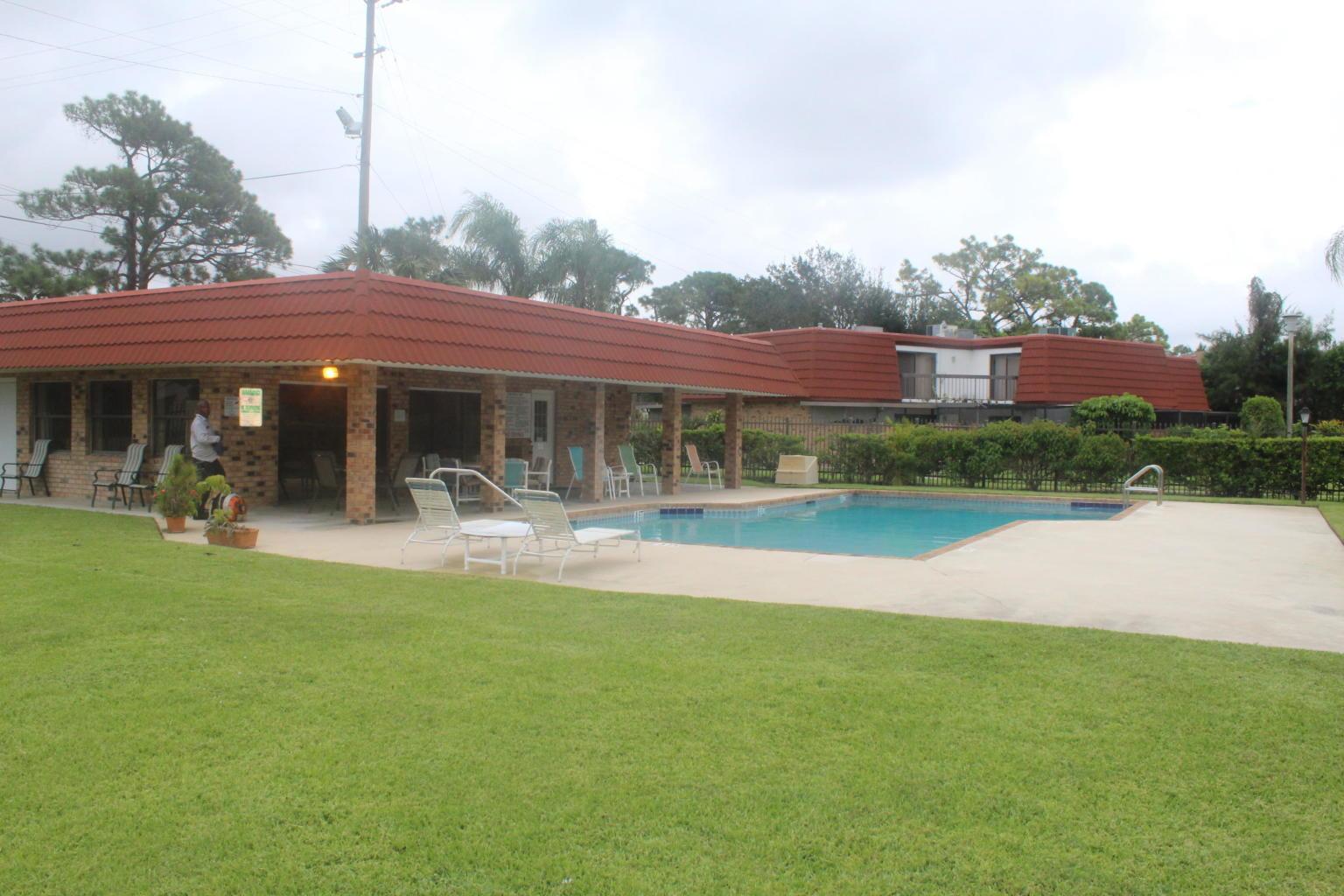 4536 Suburban Pines Drive Lake Worth, FL 33463 photo 16