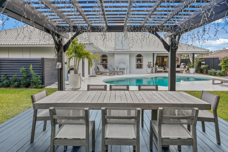 Photo of 7 Dunbar Road, Palm Beach Gardens, FL 33418