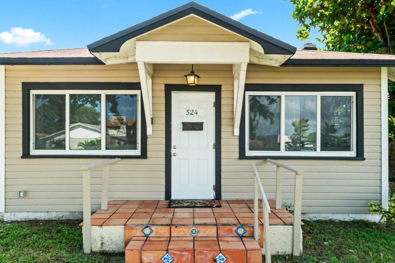 524 Colonial Road West Palm Beach, FL 33405 photo 4