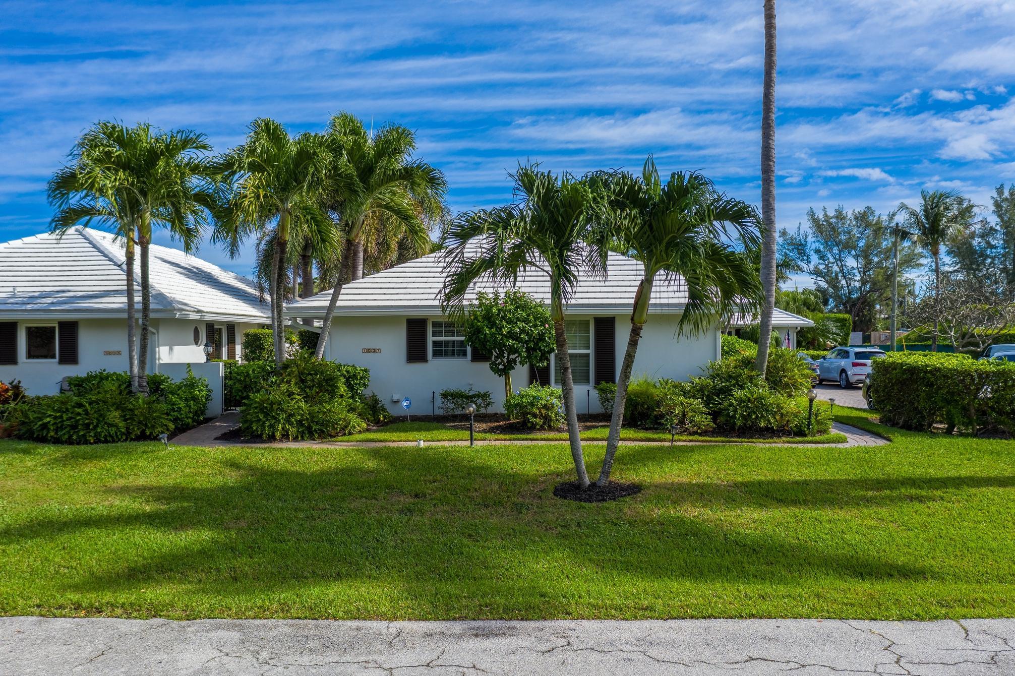 1037 Del Harbour Drive, Delray Beach, Florida 33483, 2 Bedrooms Bedrooms, ,2 BathroomsBathrooms,Condo/coop,For Sale,Del Harbour,RX-10677077