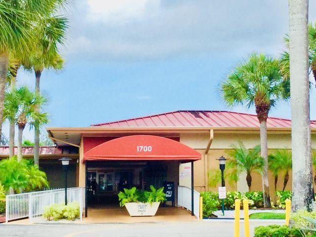 124 Lake Irene Dr 124 Royal Palm Beach, FL 33411