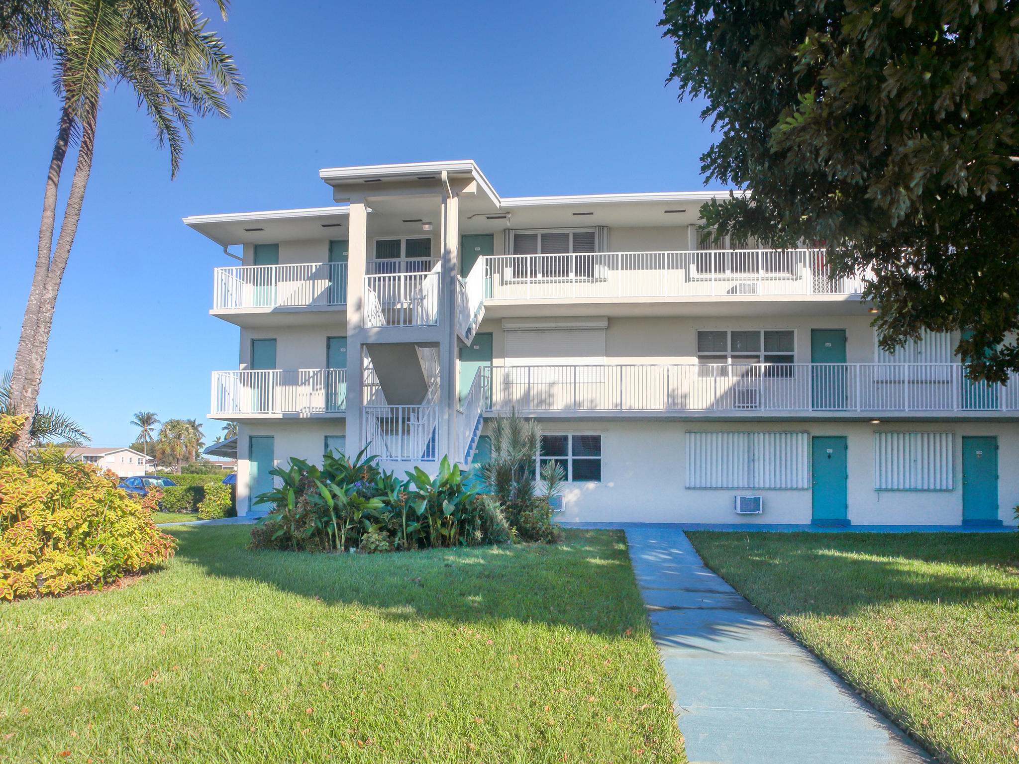 370 Horizons E 102 Boynton Beach, FL 33435