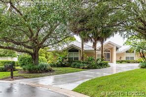 6553 Baltusrol Terrace, Stuart, Florida 34997, 3 Bedrooms Bedrooms, ,3.1 BathroomsBathrooms,A,Single family,Baltusrol,RX-10677087