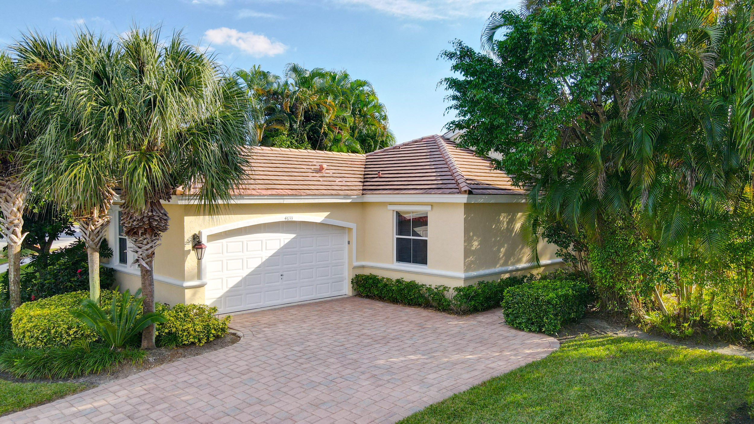 Home for sale in Wycliffe - Huntington Lake Worth Florida