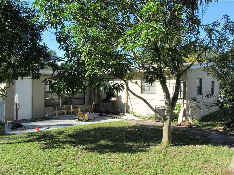 Home for sale in LAUDERDALE MANORS RESUB OF BLK 16 Fort Lauderdale Florida
