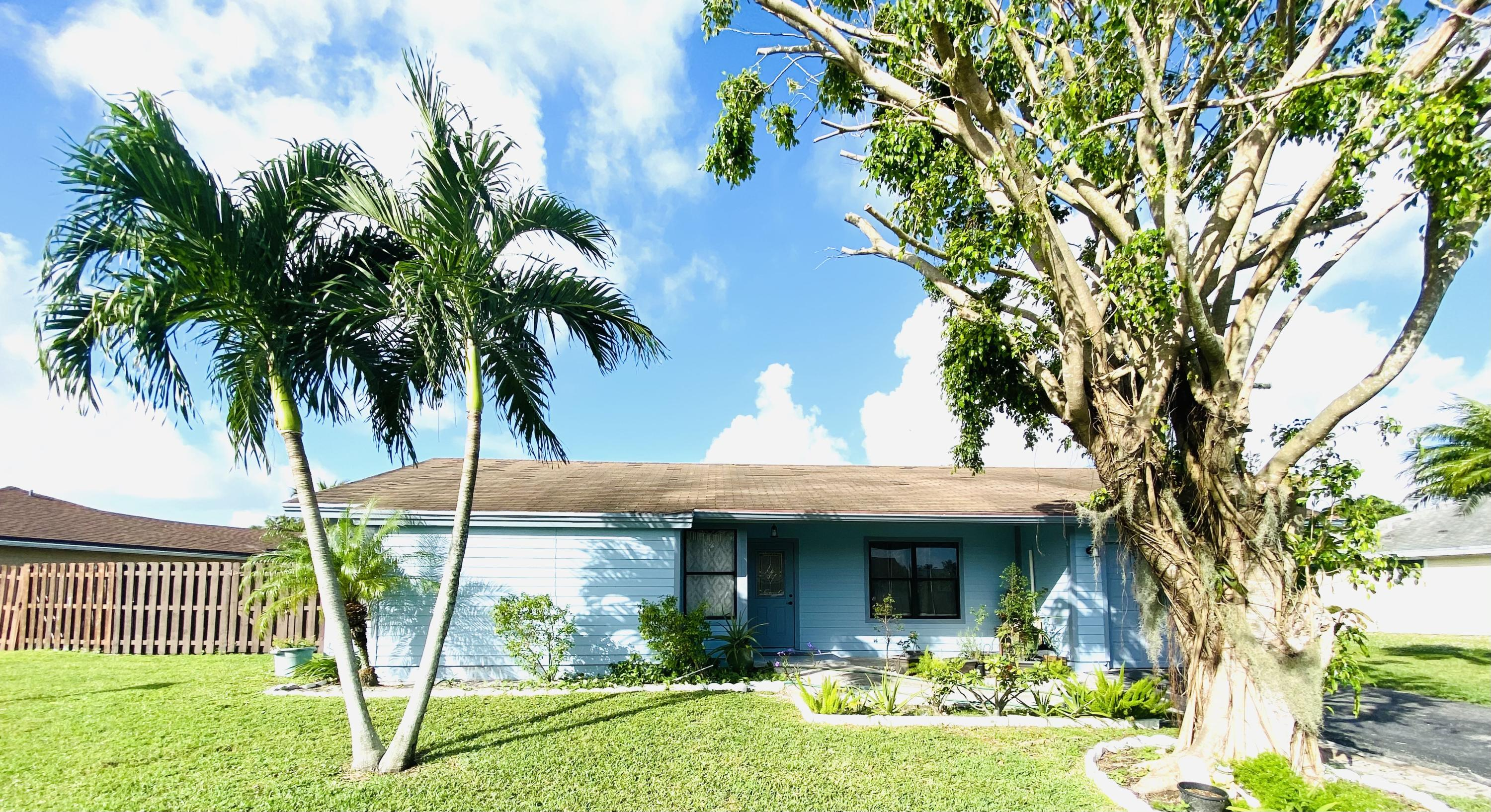 Home for sale in Lees Crossing 01 Lake Worth Florida