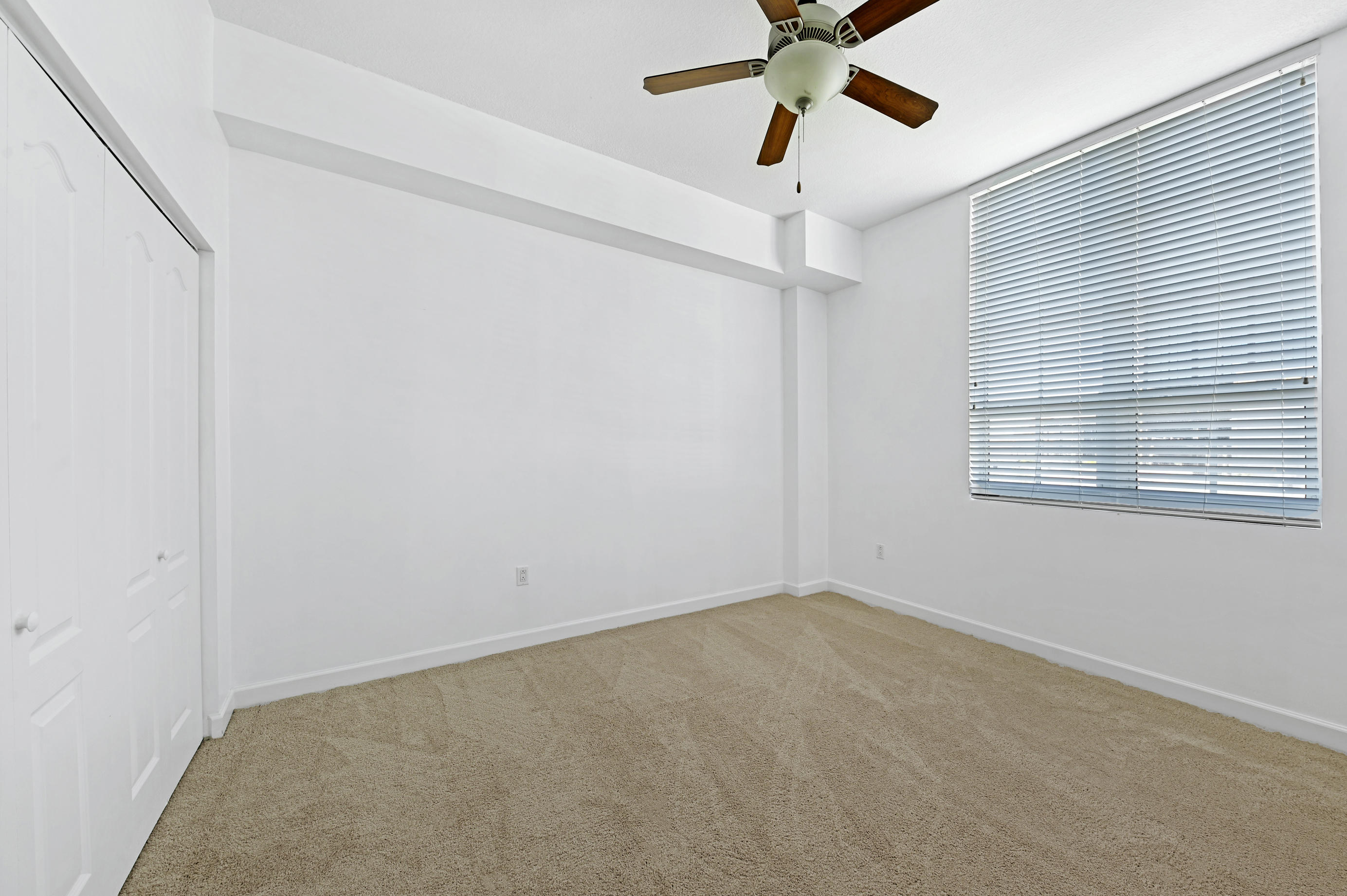 410 Evernia Street 322 West Palm Beach, FL 33401 photo 8